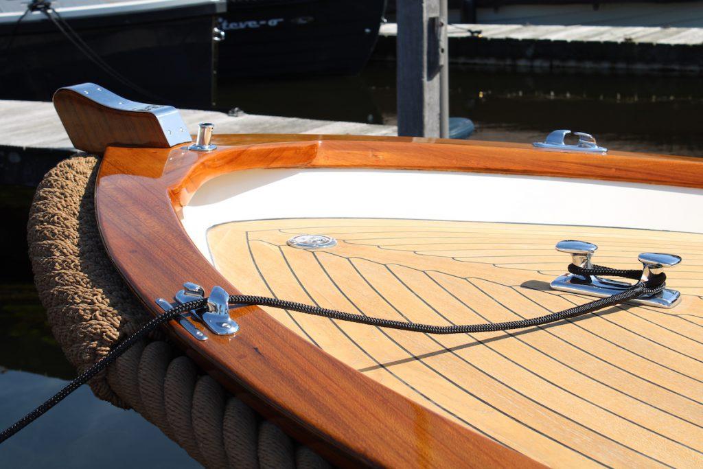 Lakken en schilderen boot