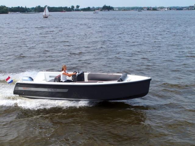 Tempo 625, stoere en moderne tender boot